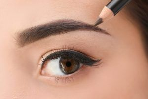 Defined Brilliance: Eyebrow Pencil - Opiniones Online